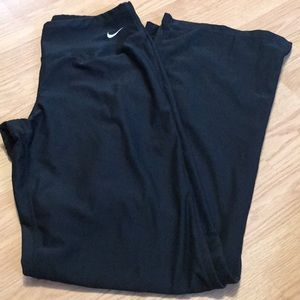 Nike Women's athletic black pants size small